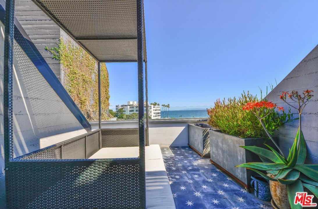 Condominium, Penthouse,Architectural - Pacific Palisades, CA (photo 3)
