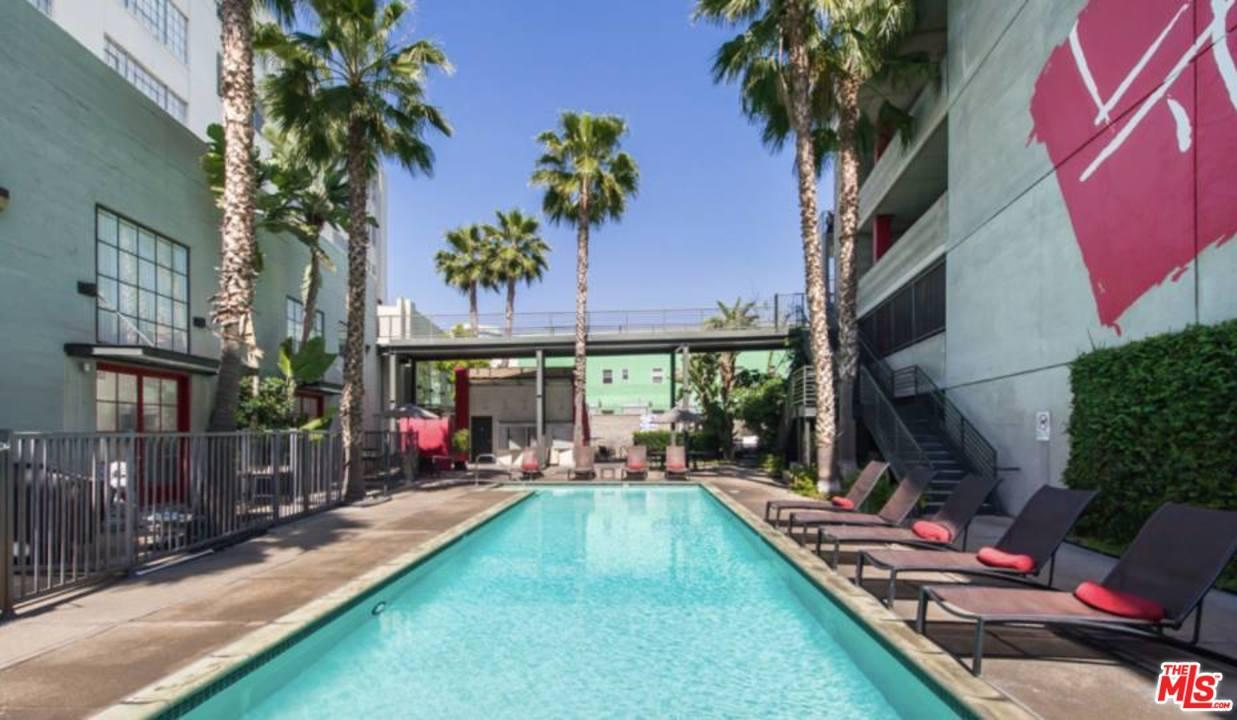 Photo of 420 South SAN PEDRO Street  Los Angeles City  CA