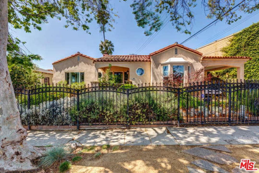 Photo of 1417 South COCHRAN Avenue  Los Angeles City  CA
