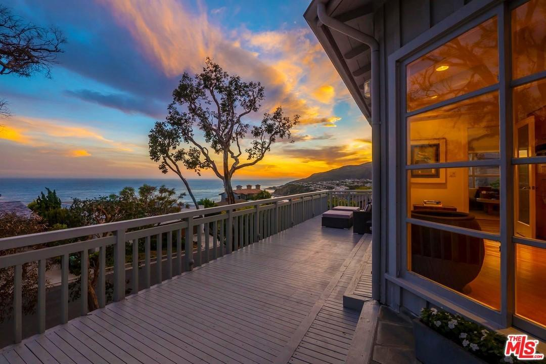 17751  Tramonto Drive Pacific Palisades, CA 90272