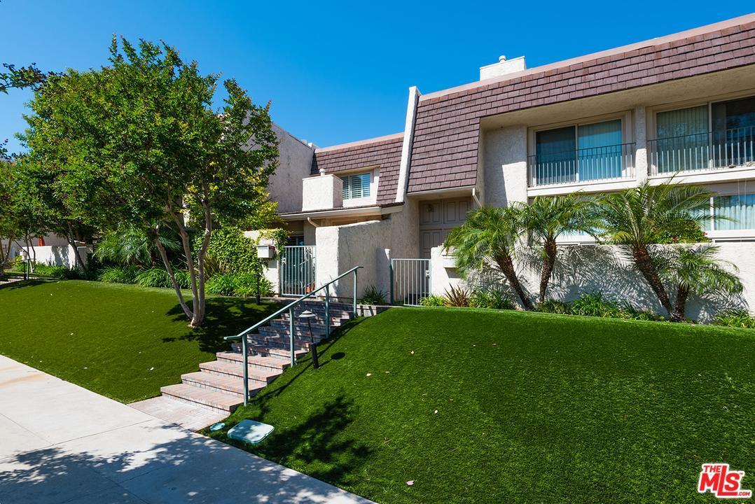 Photo of 6207  RANDI Avenue  Woodland Hills  CA
