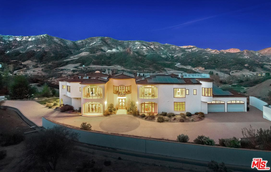 31700 LOBO CANYON Road Agoura Hills, CA 91301