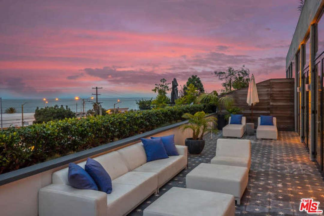 Photo of 17351 West SUNSET  Pacific Palisades  CA