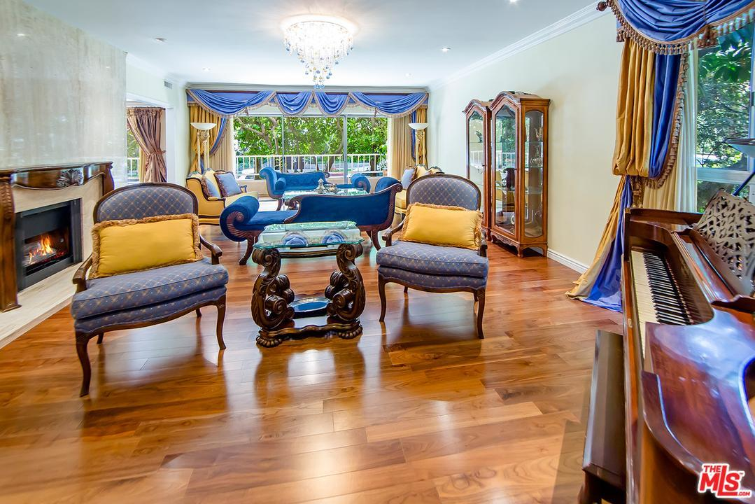 Photo of 440 North OAKHURST Drive  Beverly Hills  CA