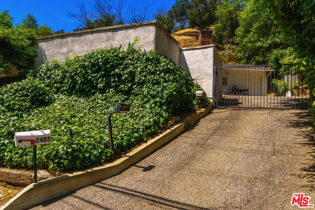 Photo of 2485  BENEDICT CANYON Drive  Beverly Hills  CA
