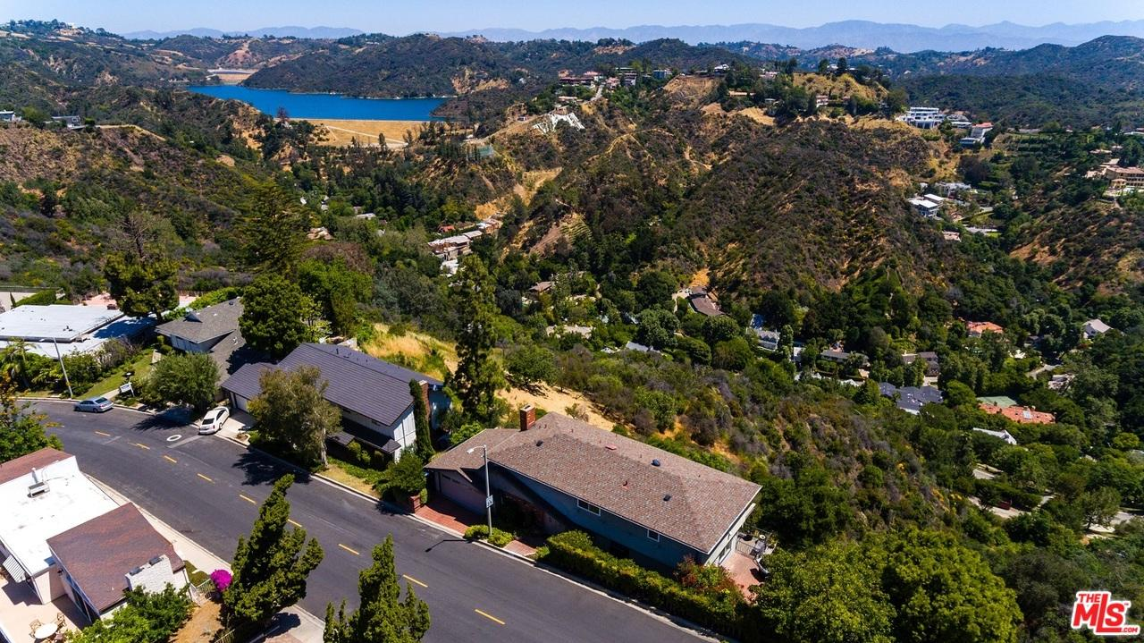 Photo of 1324  STRADELLA Road  Los Angeles City  CA