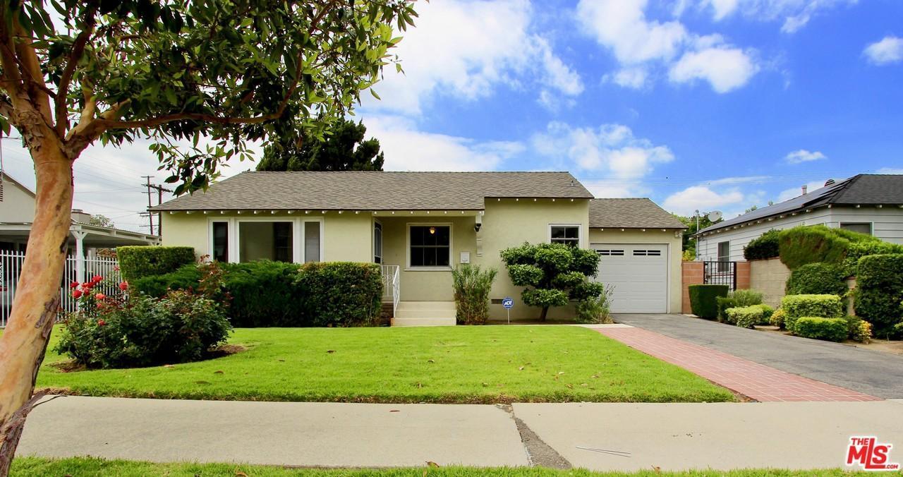 Photo of 6815  ENCINO Avenue  Lake Balboa  CA