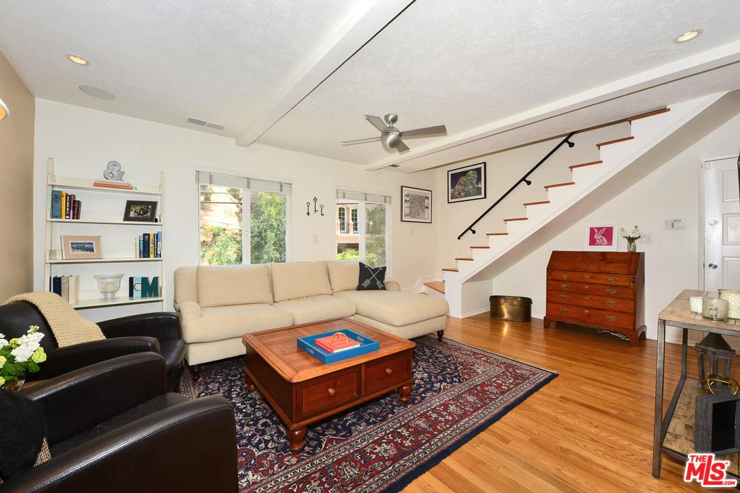 Photo of 8539  LOOKOUT MOUNTAIN Avenue  Los Angeles City  CA