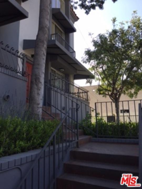 Low Rise,Mediterranean, Condominium - Los Angeles (City), CA (photo 1)