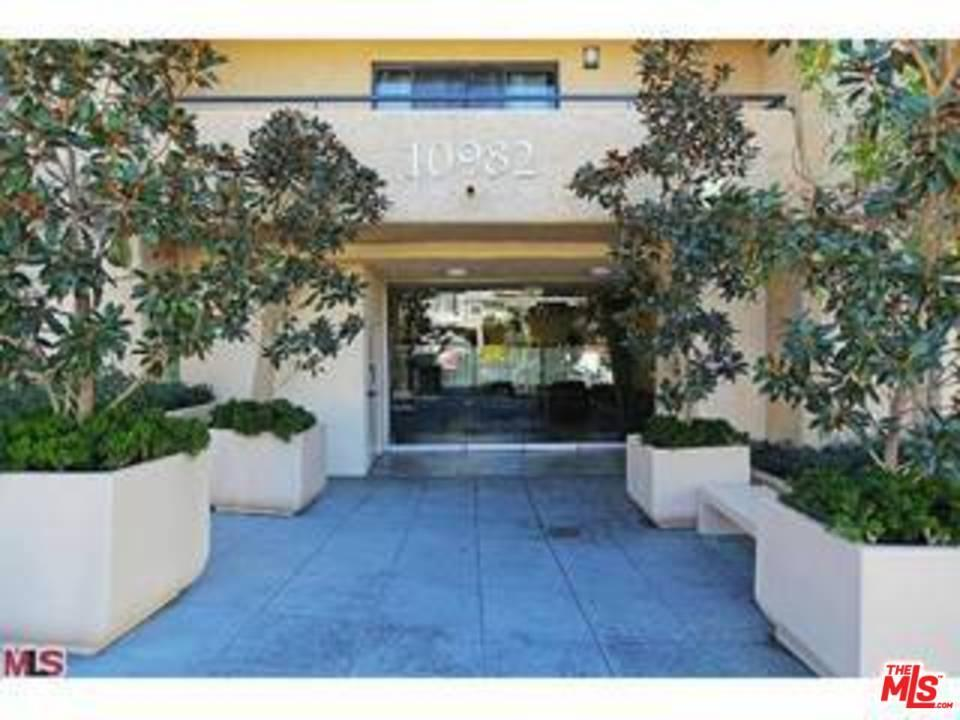 Photo of 10982  ROEBLING Avenue  Los Angeles City  CA