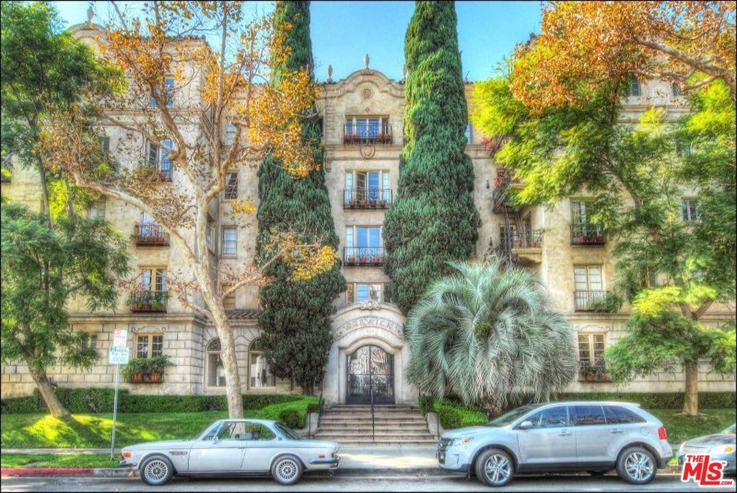 Photo of 109 North SYCAMORE Avenue  Los Angeles City  CA