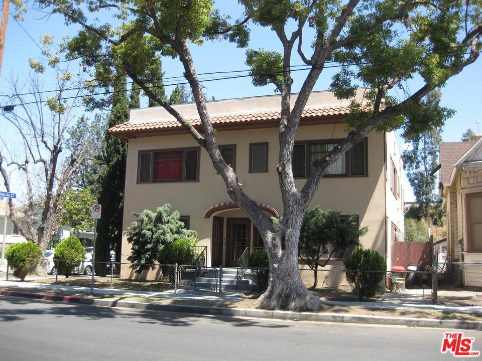 2134 Magnolia Court Los Angeles, CA 90007