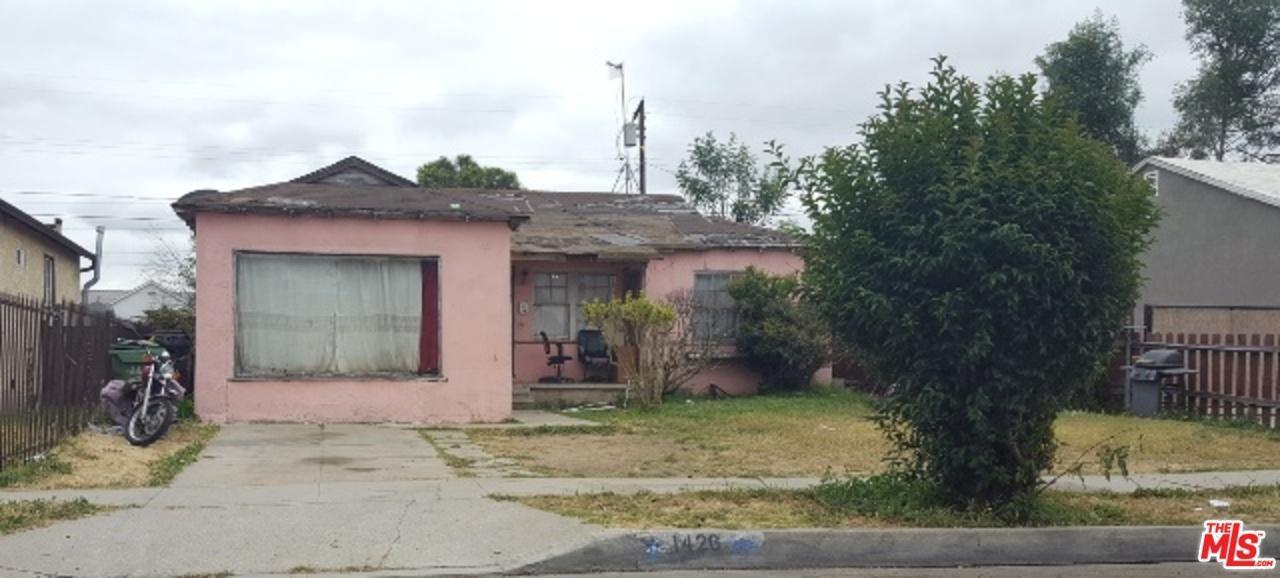 Photo of 1426 West SCHOOL Street  Compton  CA