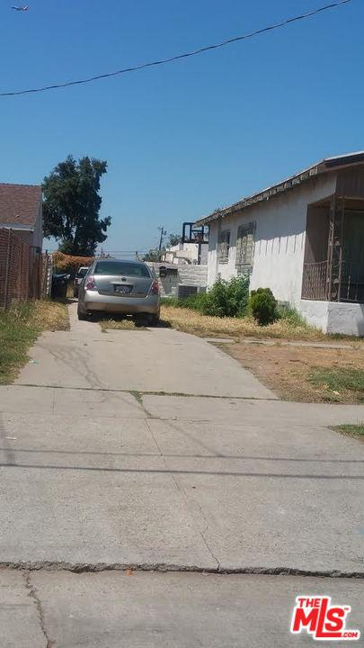 817 West 97th Street Los Angeles, CA 90044