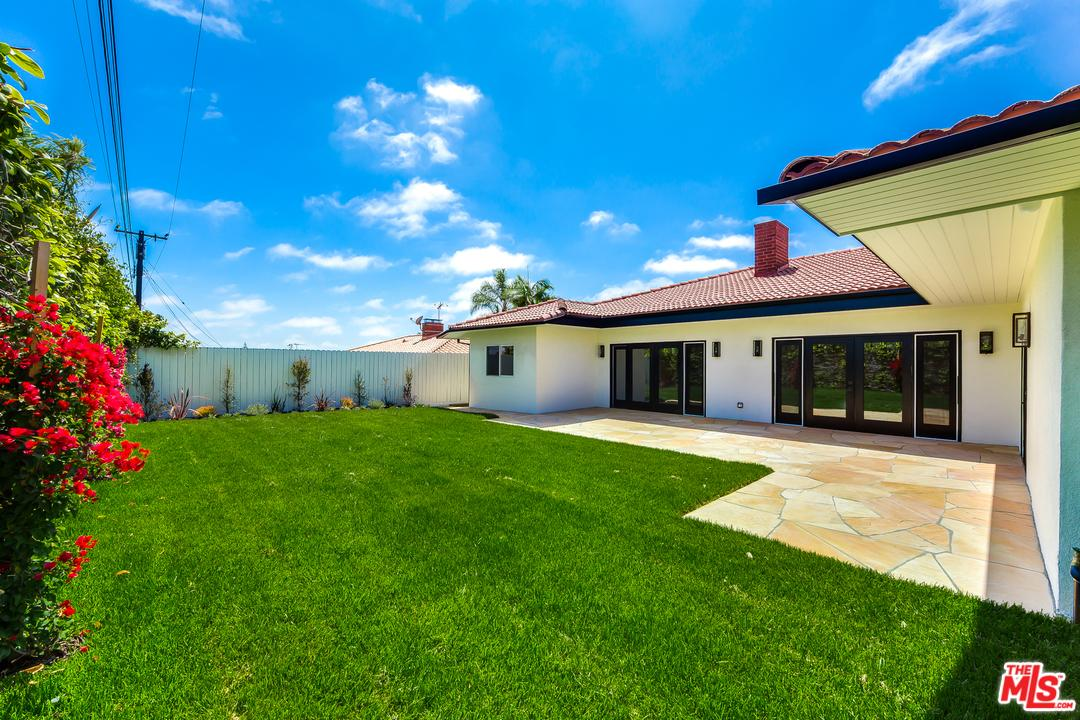 Photo of 6650 South SHERBOURNE Drive  Los Angeles City  CA