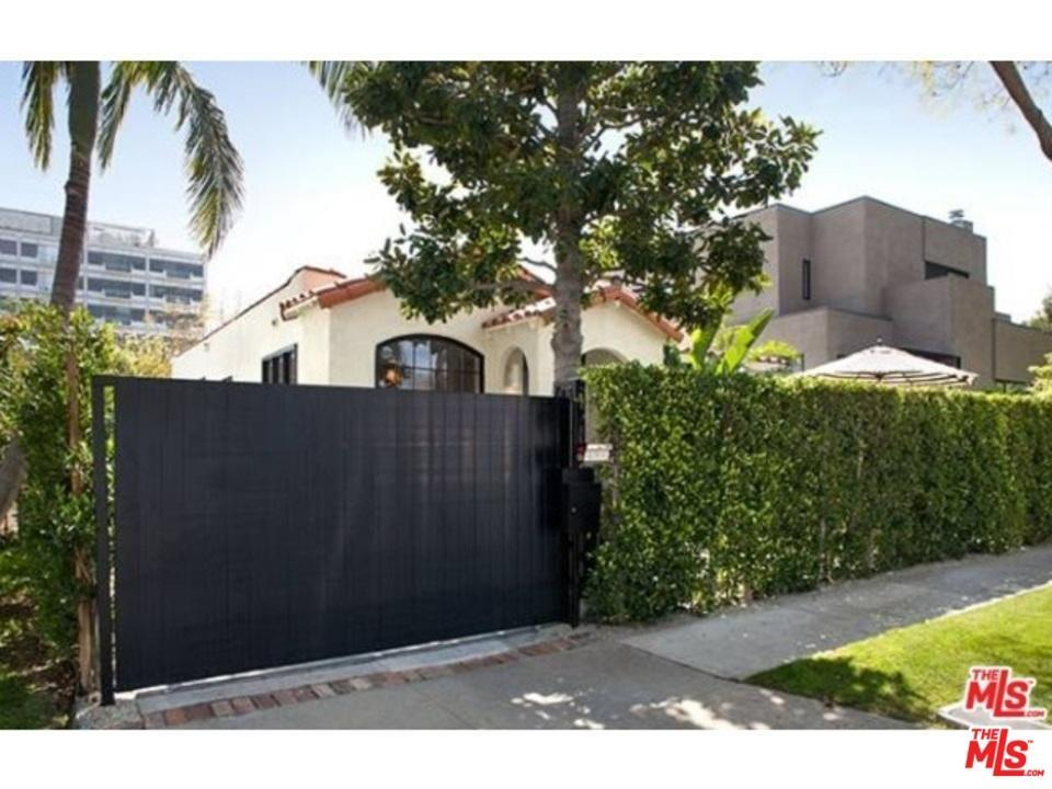 Bungalow, Single Family - West Hollywood, CA (photo 2)