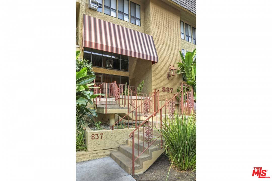 Photo of 837 North WEST KNOLL Drive  West Hollywood  CA