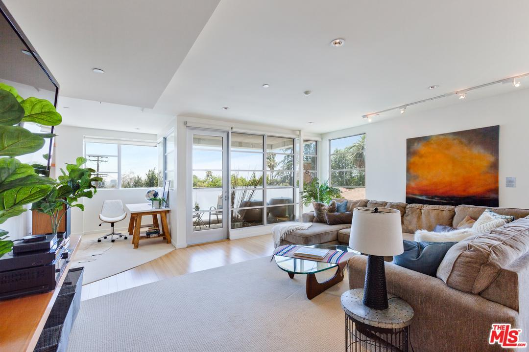 Photo of 8265  FOUNTAIN Avenue  West Hollywood  CA