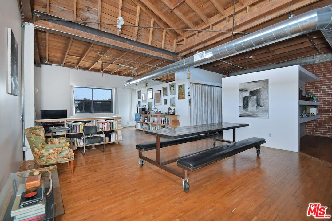 Photo of 500  MOLINO Street  Los Angeles City  CA