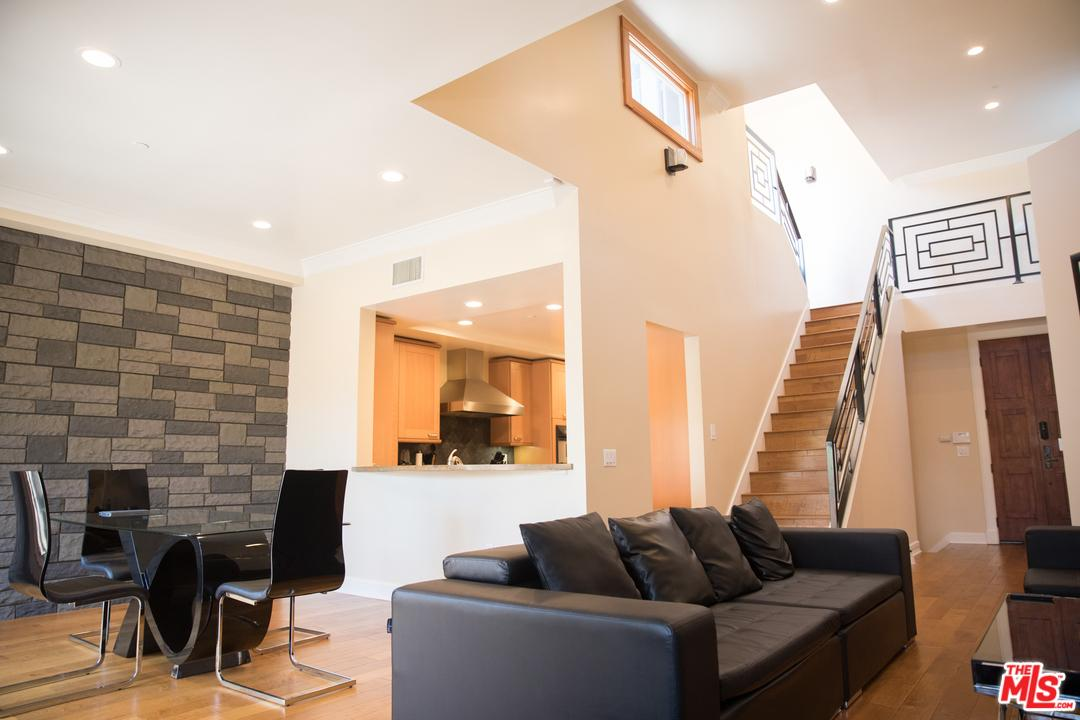 Photo of 411 North OAKHURST Drive  Beverly Hills  CA