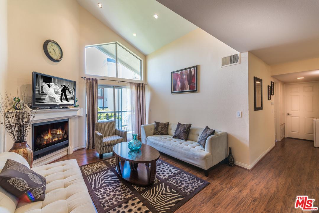 Photo of 5535  CANOGA Avenue  Woodland Hills  CA