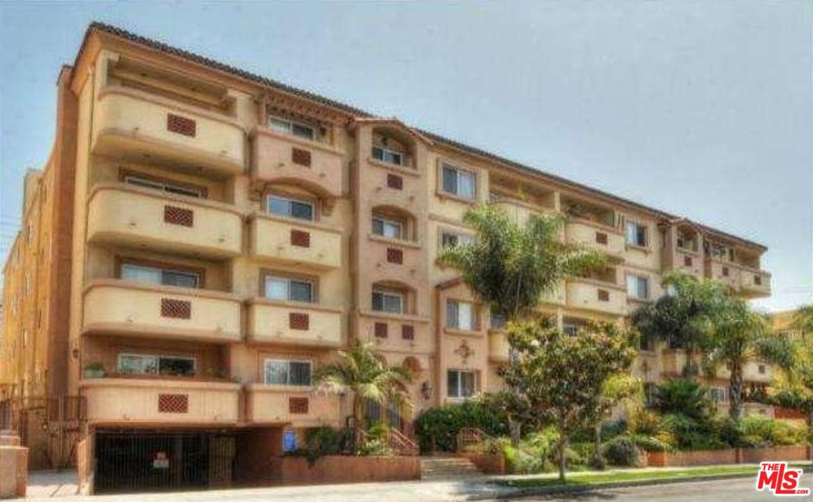 Condominium, Traditional,Low Rise - Los Angeles (City), CA (photo 1)