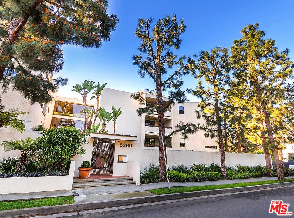 Photo of 8380  WARING Avenue  Los Angeles City  CA