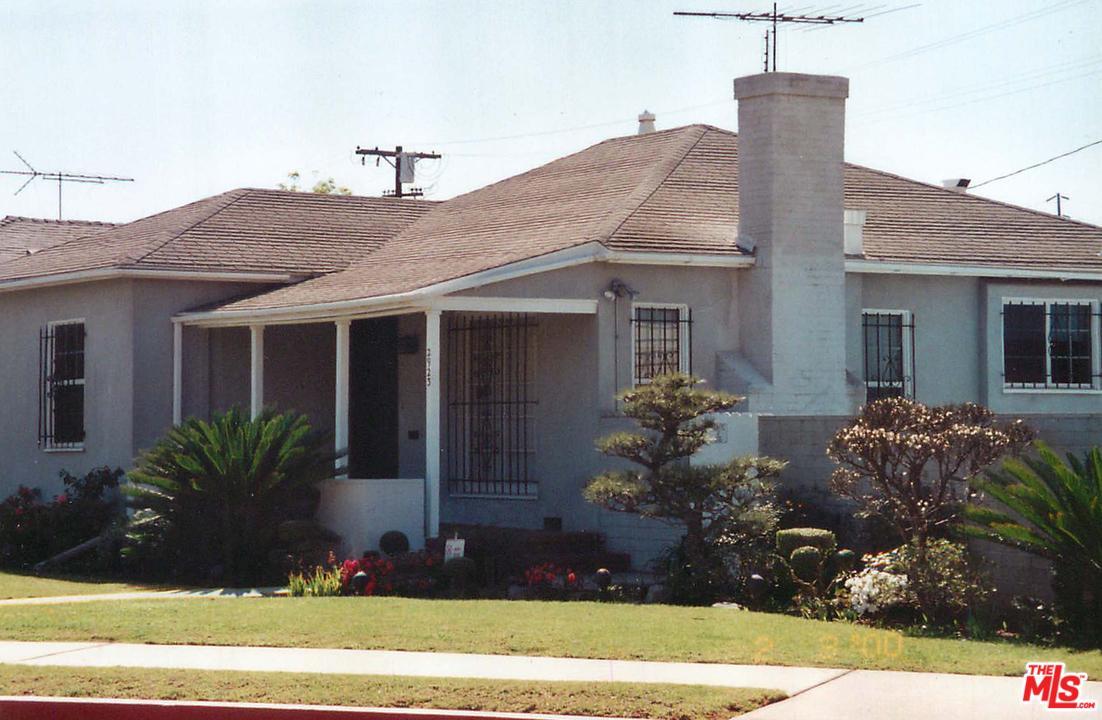Photo of 2923  KELTON Avenue  Los Angeles City  CA