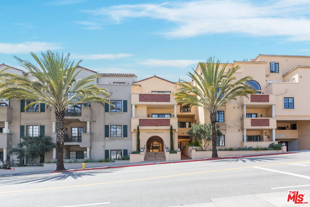 Townhouse, Low Rise - West Hollywood, CA (photo 1)