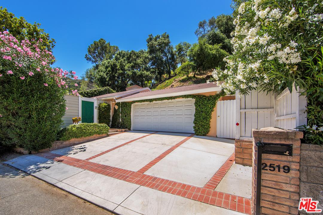 2519  HUTTON Drive, Beverly Hills PO in Los Angeles County, CA 90210 Home for Sale