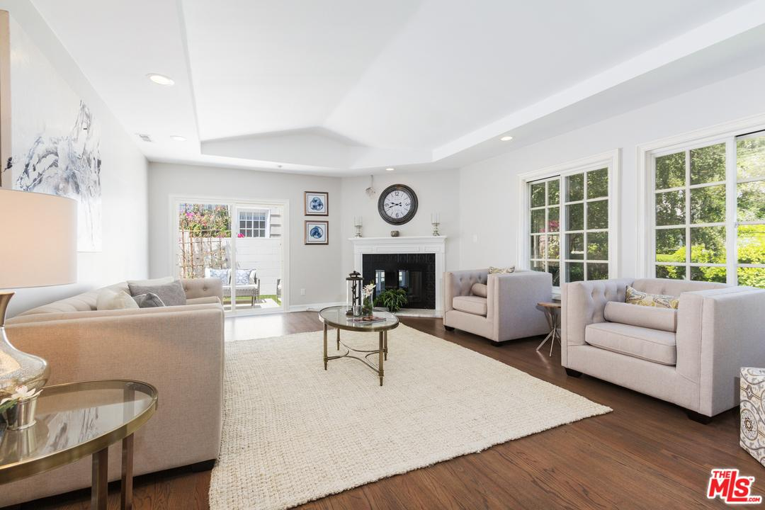 Photo of 2261  BOWMONT Drive  Beverly Hills  CA