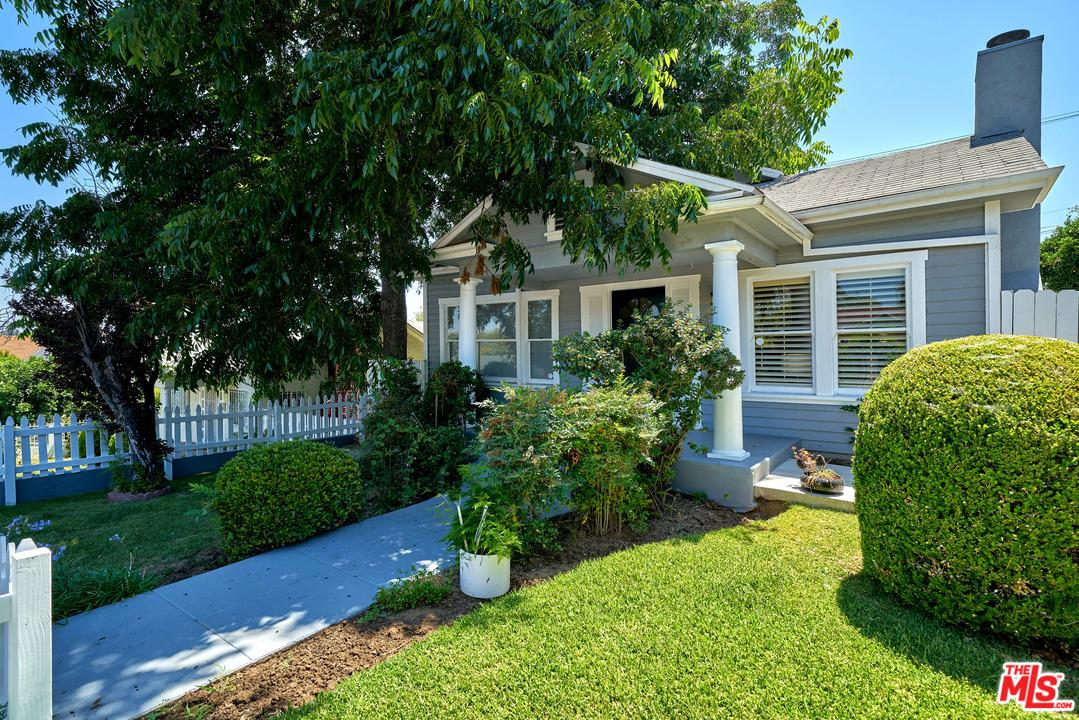 Photo of 1236 South LUCERNE Boulevard  Los Angeles City  CA