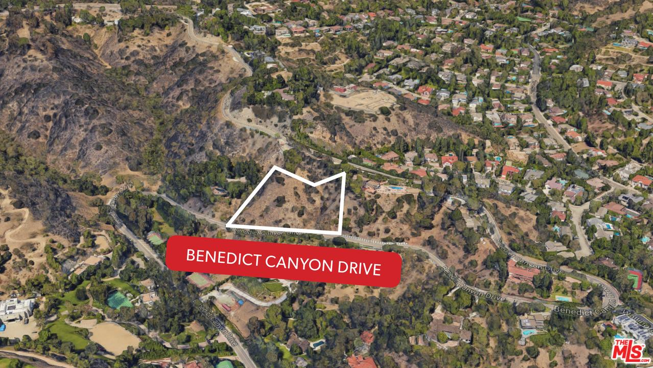 2811 BENEDICT CANYON Drive, one of homes for sale in Beverly Hills