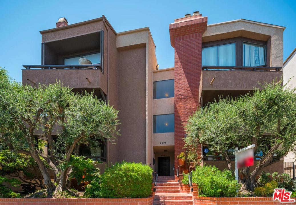 Photo of 4675  WILLIS Avenue  Sherman Oaks  CA