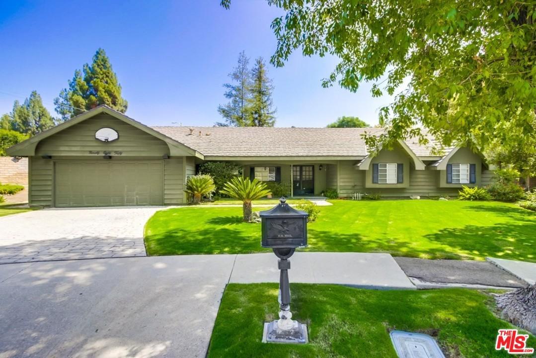 9850  Donna Avenue Northridge, CA 91324