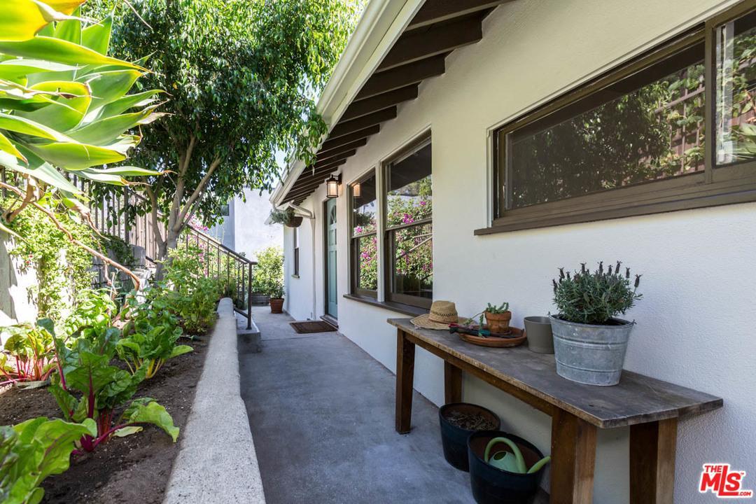 Photo of 2322  VALENTINE Street  Los Angeles City  CA