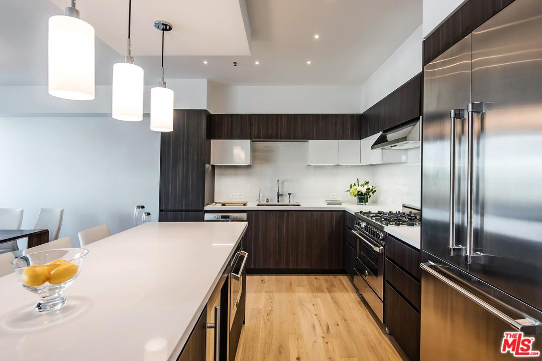 321 South ELM 307, one of homes for sale in Beverly Hills