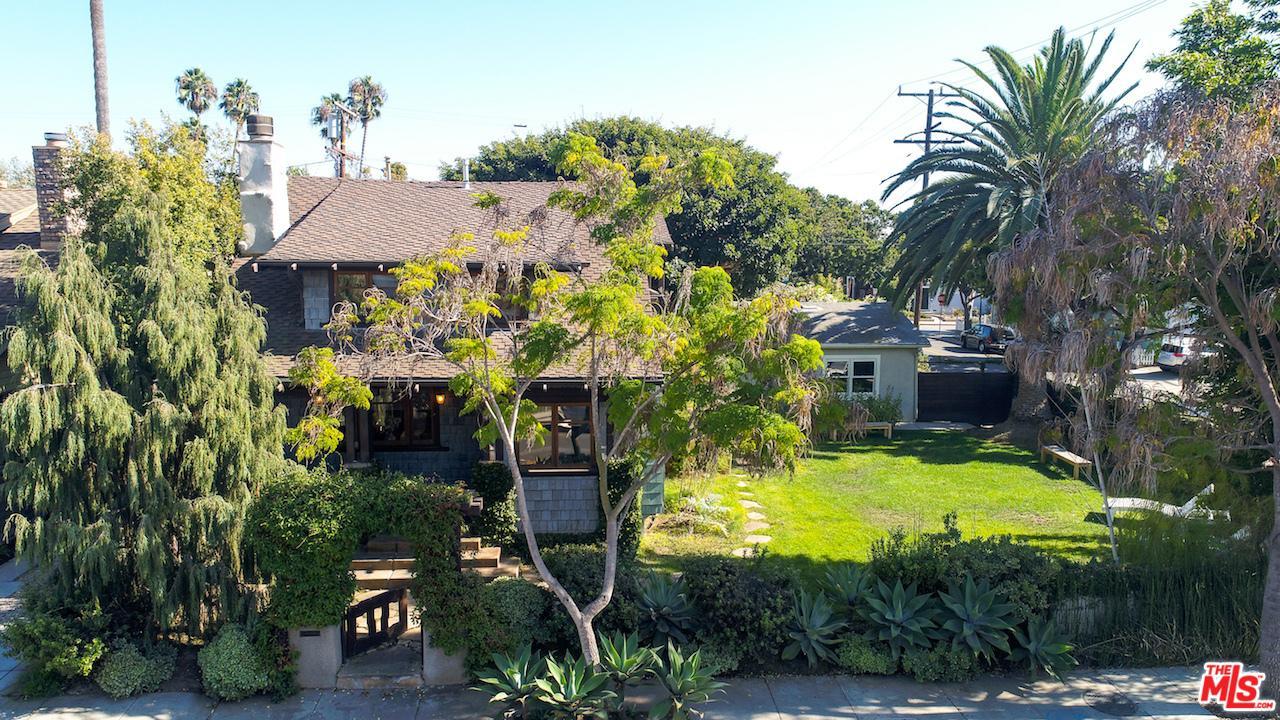 706  Navy Street Santa Monica, CA 90405