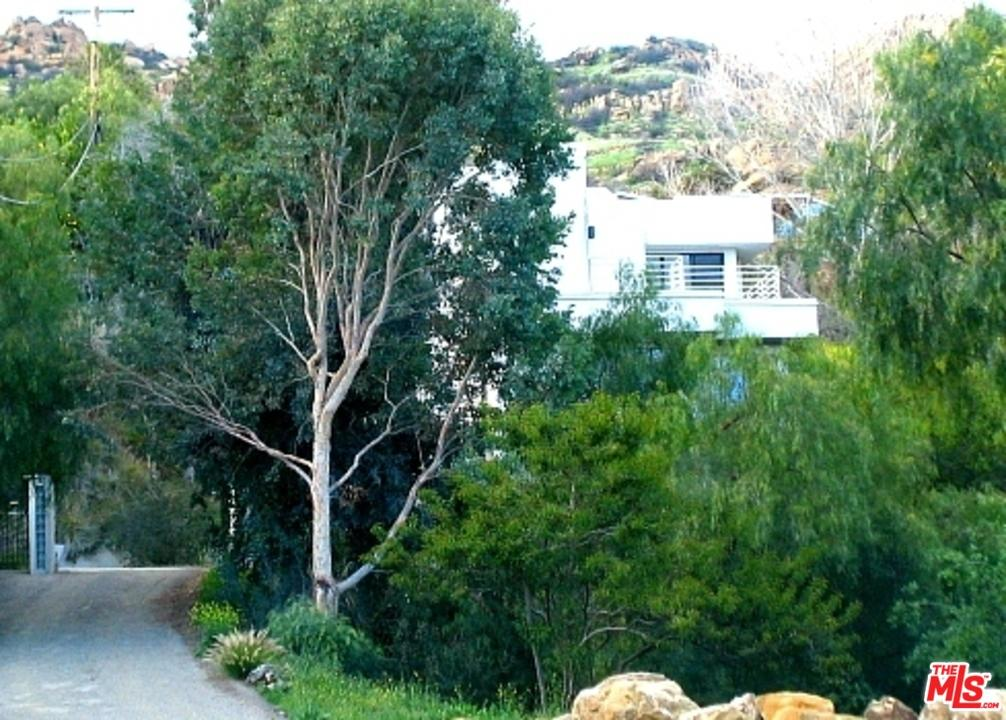 9314  STEVENS Way, West Hills, California