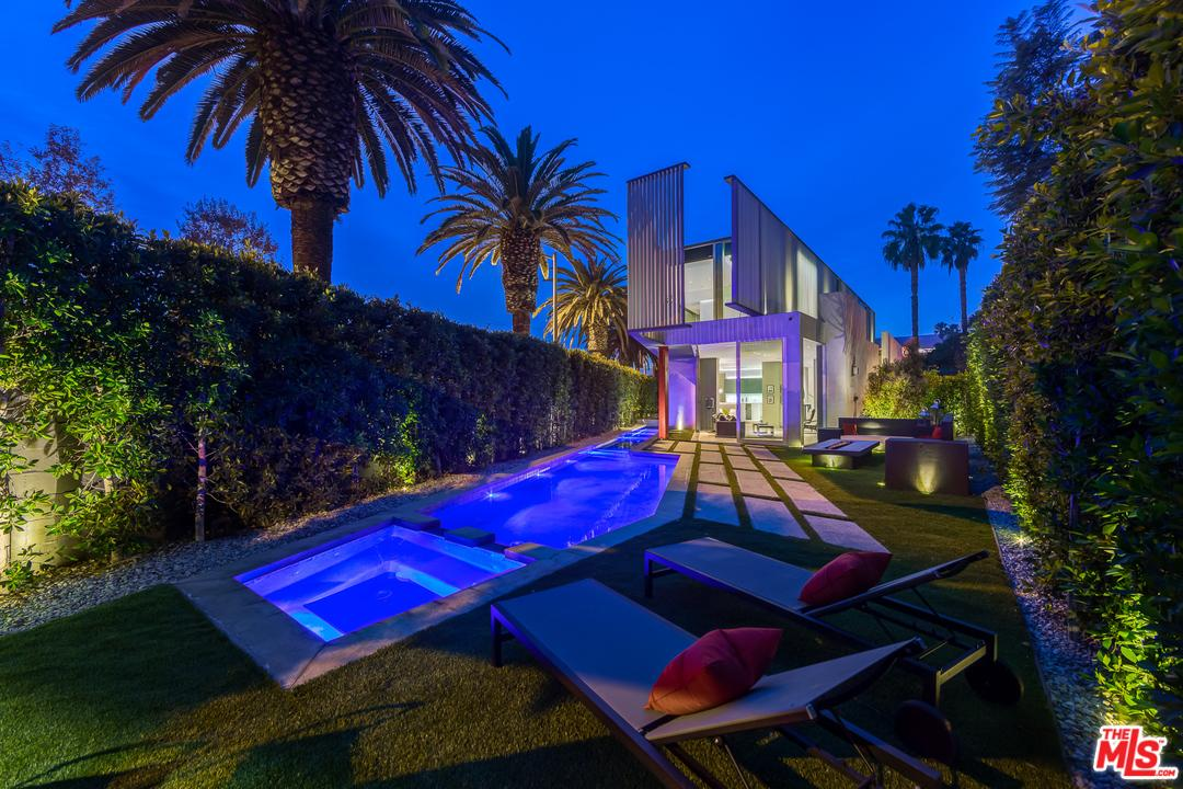 417  Norwich Drive West Hollywood, CA 90048
