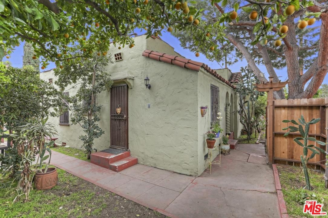 Residential Income - Los Angeles (City), CA (photo 4)