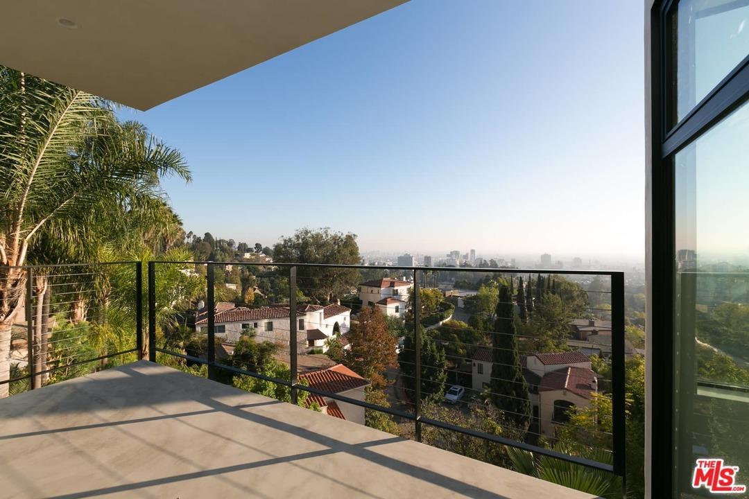 Architectural, Single Family - Los Angeles (City), CA (photo 3)