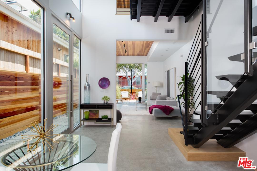 417  Sunset Avenue 1/2 Venice, CA 90291