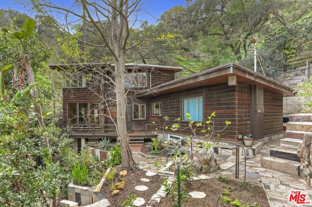 One of Silver Lake Los Angeles 3 Bedroom Homes for Sale at 1964  LANDA Street