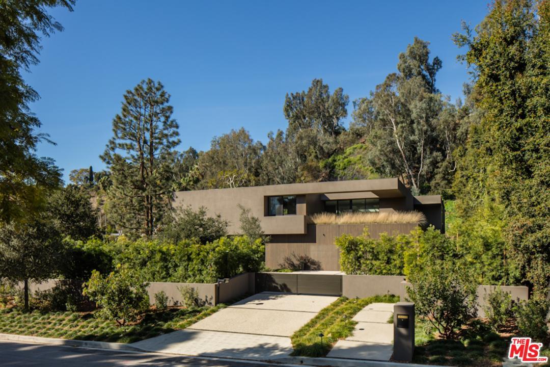 595 East Channel Road Santa Monica, CA 90402