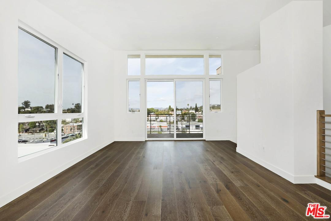 One of Silver Lake Los Angeles 3 Bedroom Homes for Sale at 1515  LAKE SHORE Avenue