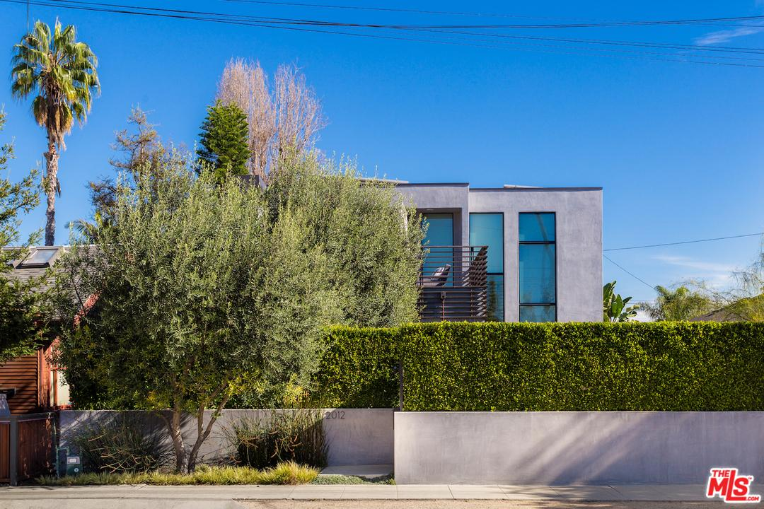 2012  Walnut Avenue Venice, CA 90291