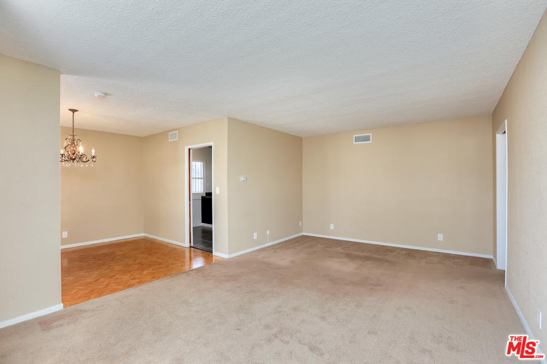554  Hargrave Street Inglewood, CA 90302