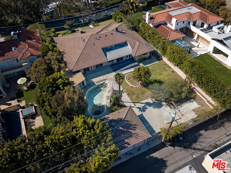 430 Adelaide Drive Santa Monica, CA 90402