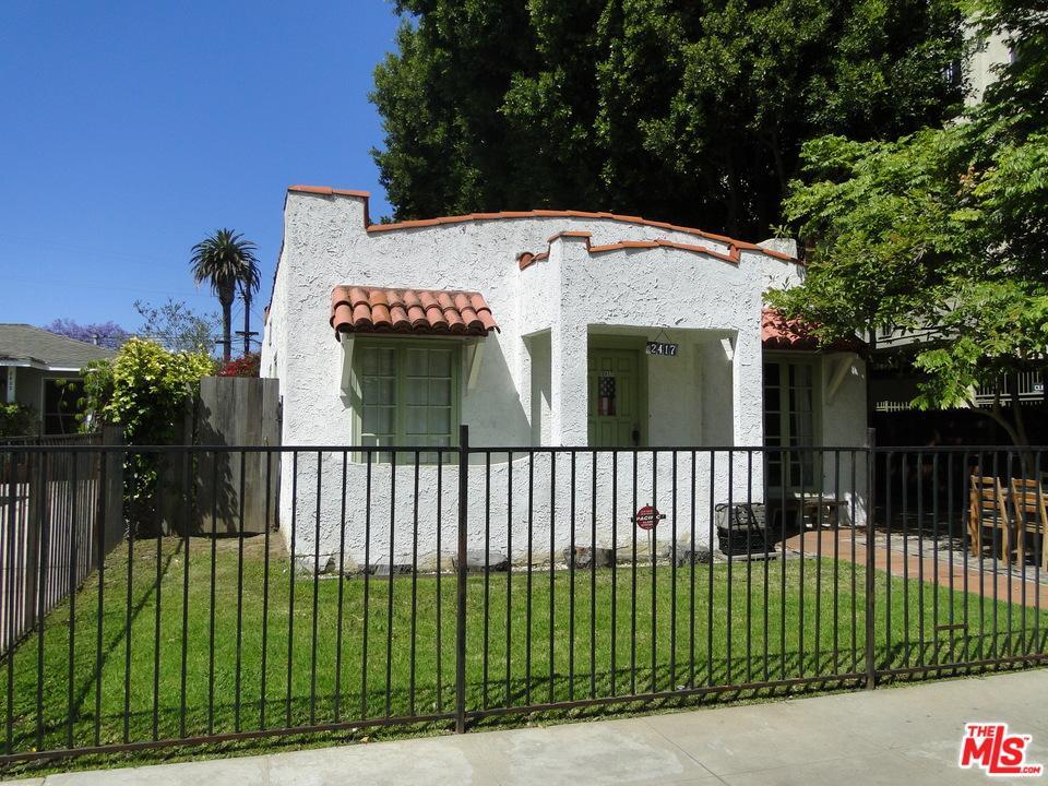 2417  Walnut Avenue Venice, CA 90291